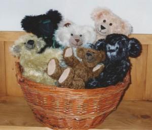 Ein Korb voll mit Bären